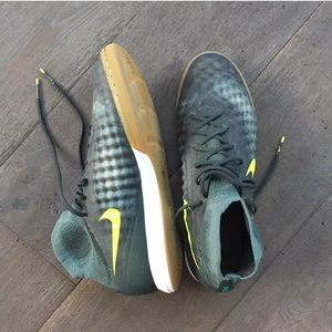 Nike Shoes - Nike Men's Indoor Soccer Shoes, size 11